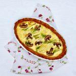 Quiche mit Champignons und Frühlingszwiebeln